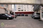 Стоянка машин в Борисполі
